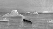 Dipagi hari tanggal April 15, 1912 penumpang yang selamat menemukan mereka dikelilingi oleh ladang gunung es, bahkan ada yang setinggi 150 - 200 ft. dari permukaan laut