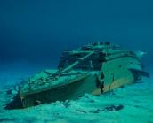 Pada September 1985, Robert D. Ballard menemukan bangkai kapal Titanic